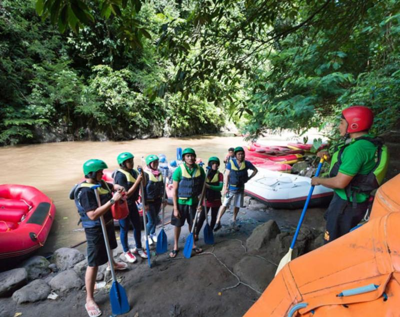River Guide in Bali White Water Rafting